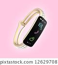 다이아몬드 장식이있는 스마트 밴드 여성용 디지털 액세서리의 개념 12629708
