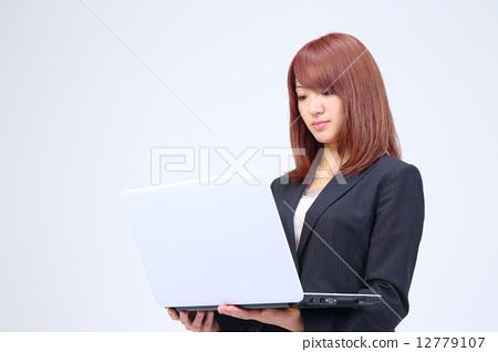 정장 오피스 레이디 노트북 12779107