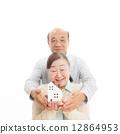 高级夫妇和房子 12864953
