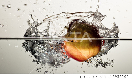 Apple Splash 12932593