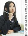 高中生上课 12953640