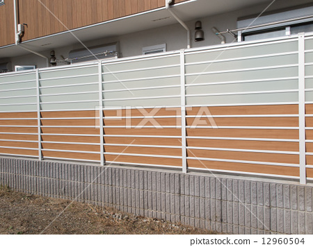 Residential fence 12960504