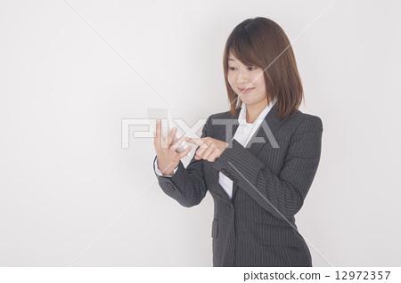 有計算器的女商人 12972357