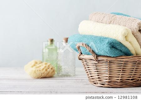 Stock Photo: Bath towels and sponge