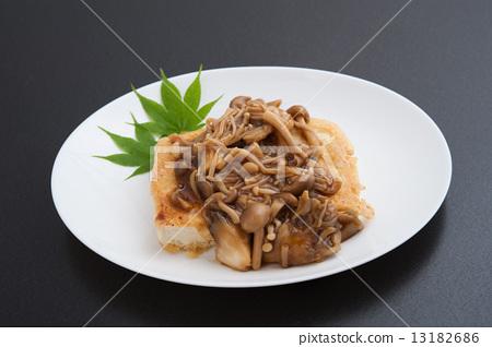 Deep-fried tofu 13182686