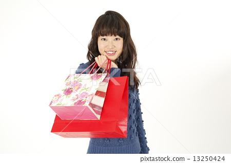 쇼핑 젊은 여성 13250424