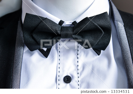 black bow tie 13334531