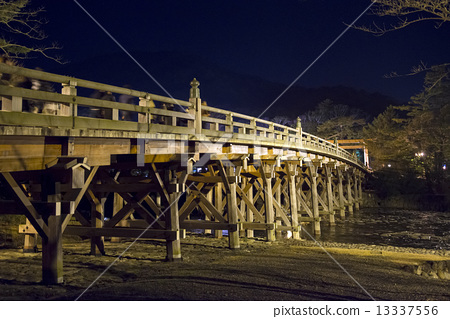 Ise Jingu Shrine, Ujibashi Bridge at night, Hatsumo 13337556
