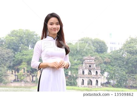 하노이의 아오자이 미녀 13509862