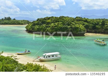 Kawahira Bay Ishigakijima 13540295