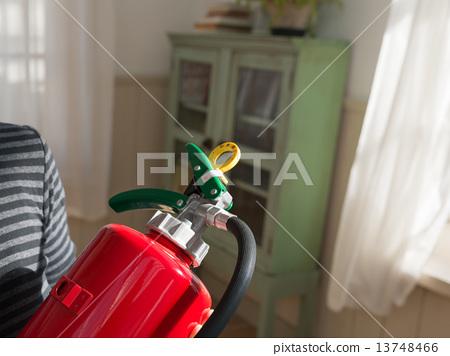 Fire extinguisher 13748466