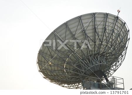 big satellite dish 13791701