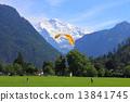 跳傘 阿爾卑斯山脈 瑞士 13841745
