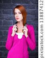 听 耳机 红头发 13887412