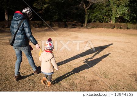 ฤดูหนาว,ความเป็นพ่อแม่,คน 13944258