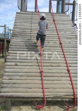 爬繩子 13984005