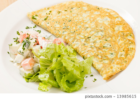 omelet with spinach 13985615