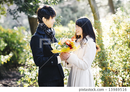 couple, bouquet, bunch of flower 13989516