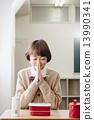 吃午飯的女學生 13990341
