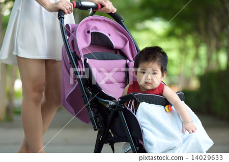 Chinese baby in a stroller 14029633