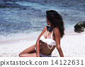 海辺の女性 14122631