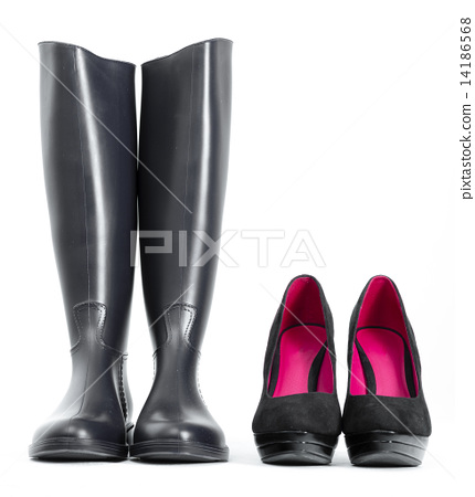 platform black pumps with black rubber boots 14186568