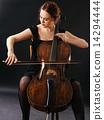 Beautiful cellist 14294444