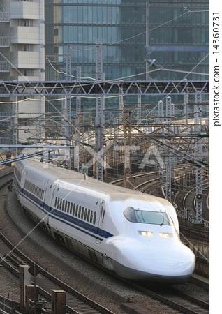 Shinkansen series 700 14360731