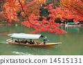 교토 가을의 아라시야마 단풍과 놀잇배 14515131