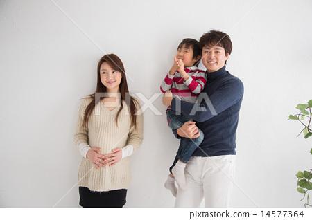 Happy family 14577364