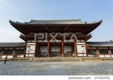Todaiji Temple gate 14582942