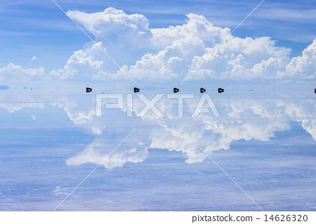 鏡湖的烏尤尼鹽湖 14626320
