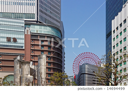 오사카 우메다의 거리 풍경 14694499