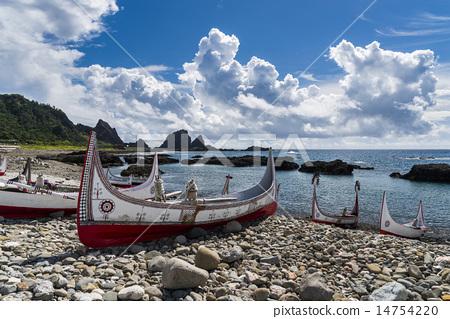 蘭嶼海灣的拼版舟 14754220
