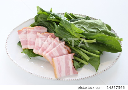 Thickly sliced bacon and spinach 14837566