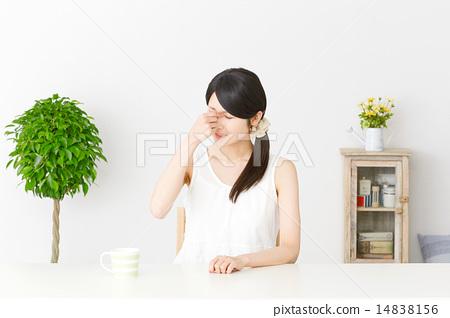視疲勞 視覺疲勞 成熟的女人 14838156
