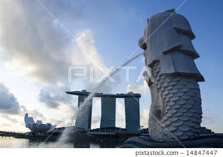 Merlion park at Marina Bay skyline in Singapore  14847447