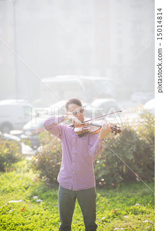 young crazy funny musician violinist asian man 15014814