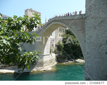 bosnia and herzegovina, mostar, neretva river 15496677