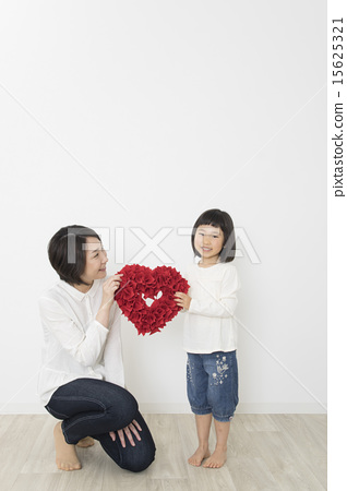 Mother girl with heart 15625321