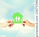 绿色 房屋 爱 15675566