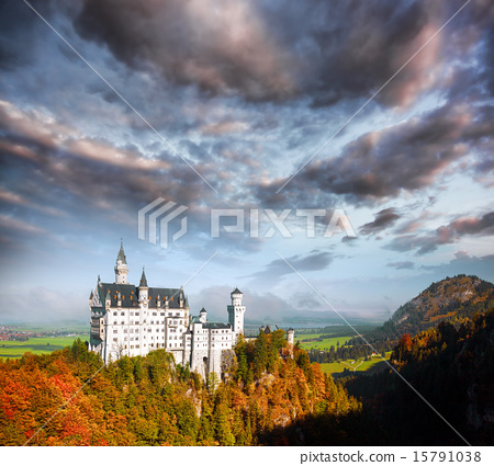 Neuschwanstein castle in Bavaria, Germany 15791038