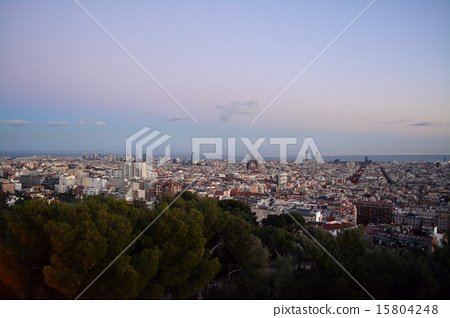 Barcelona at dusk seen from the Guell Park observatory 15804248