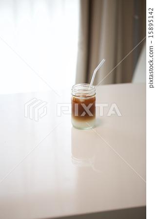 Ice cafe au lait 15895142