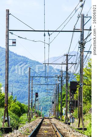 Railway to the mountain 16006921