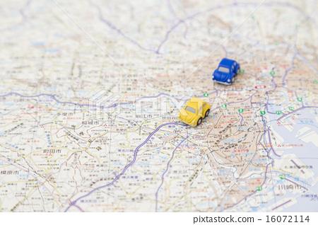 汽車和市中心 16072114