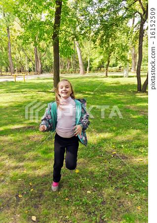Cute running girl 16152509