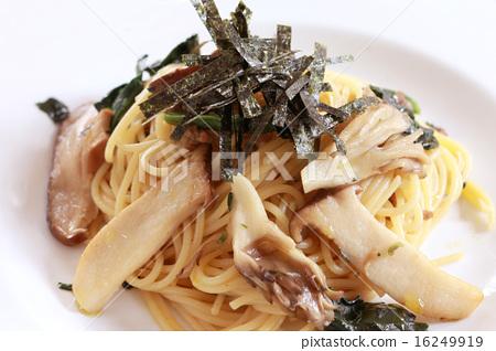 Japanese style pasta 16249919