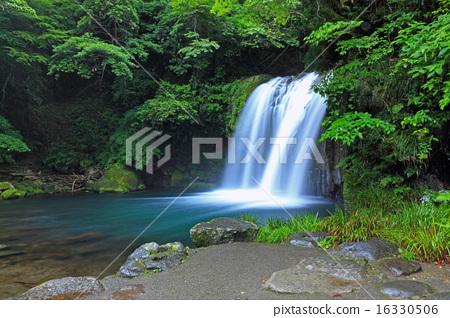 Hatsuki Falls - Bronze statue none 16330506