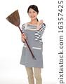 主婦 家庭主婦 打掃 16357425
